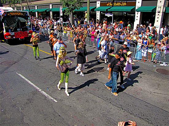 ttc, toronto transit commission, drag queens, pride parade 2010, yonge street, toronto, city, life