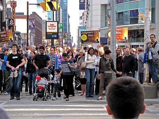 may 21, 2011, doomsday, yonge street, dundas street, intersection, crowd, toronto, city, life, blog