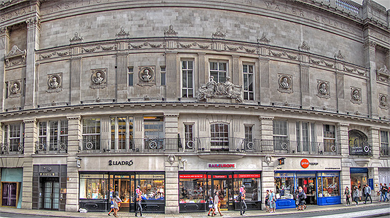 Along Piccadilly